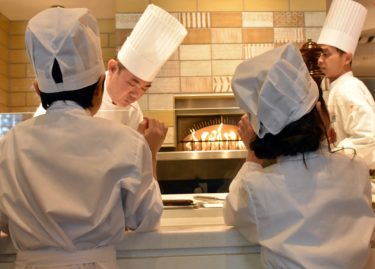 """【Hotel Universal Port Vita】""""Kids pizza making experience & lunch"""" event will held."""