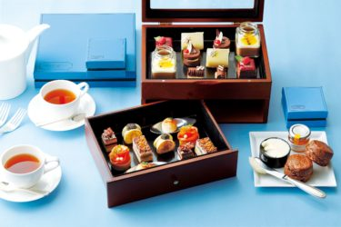 """【The St. Regis Hotel Osaka】A collaboration afternoon tea with the popular chocolate store """"MarieBelle"""" in NY and a limited chocolate box will appear."""