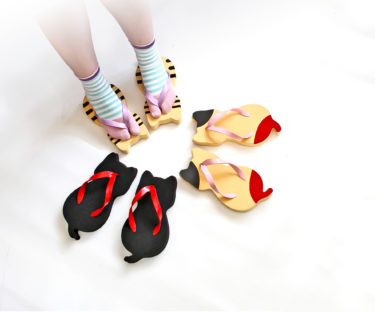 "【Nationwide】The cat-shaped geta, ""Nyara-Geta"", is now available in a junior size!"