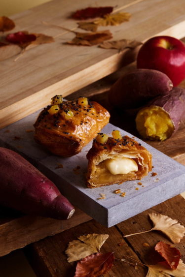 """【Umeda】RINGO, a freshly baked custard apple pie shop, is releasing a """"freshly baked custard potato apple pie"""" for a limited time!"""