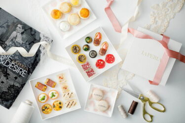 """【St. Regis Hotel Osaka】 Afternoon tea in collaboration with the lingerie brand """"LA PERLA"""" is now available."""